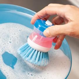 Kartáč na nádobí s dávkovačem mycího prostředku